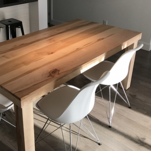 Table cœur d'érable
